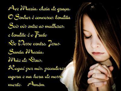 rezando-ave-maria