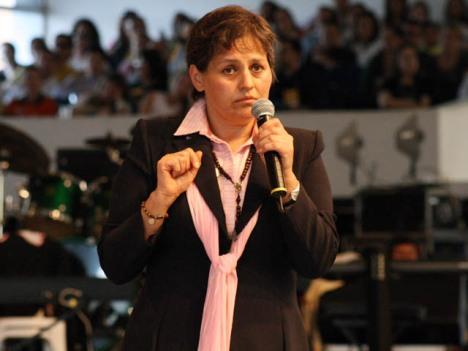 Dr. Glória Polo no Congresso Nacional RCC 2009.