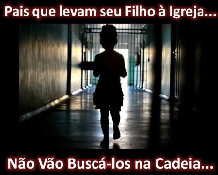 Criança_cadeia