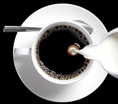caf%C3%A9+com+leite[1]