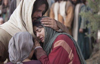 jesus_consala_mulher_chorando